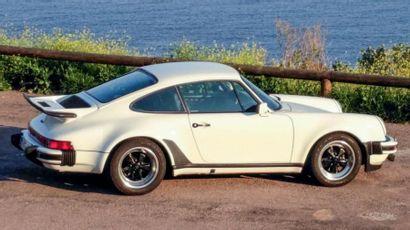 PORSCHE 911 TURBO 3.0<br/>Un mythe construit à 2850 exemplaires