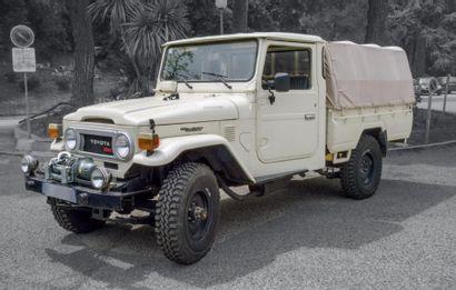 TOYOTA HJ 45 Pick Up Baché 1979