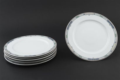 Paul BOCUSE, Six grandes assiettes en porcelaine...