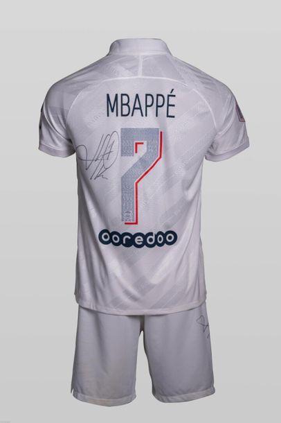[Football] Mailllot + short PSG Kylian MBAPPE...