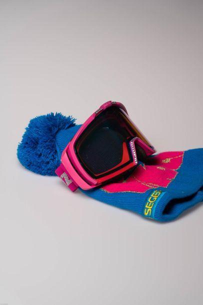 [Ski alpin] Masque et Bonnet Frida HANSDOTTER...