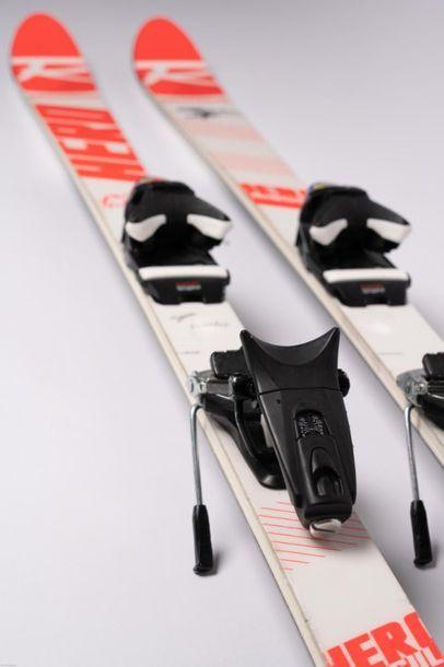 [Ski de bosses] Paire de skis de Perrine...