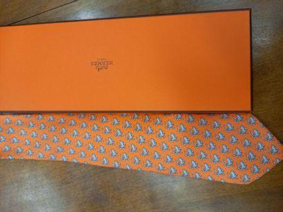 HERMES cravate à décor de cerfs Dans sa boite TBE