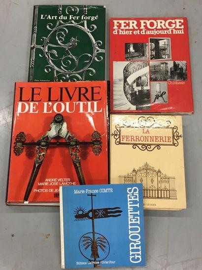 Lot de livres dont l'art du fer forgé, livre...