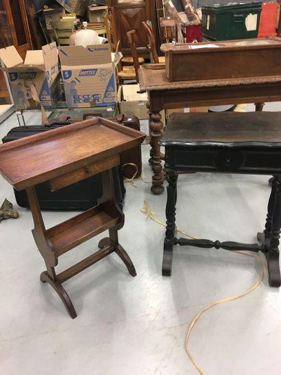 Deux tables travailleuses