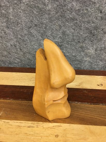 Nez et bouche en bois sculpté  Porte lunette...