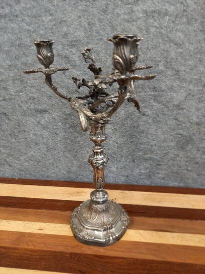 Bougeoir en bronze argenté  H : 41 cm