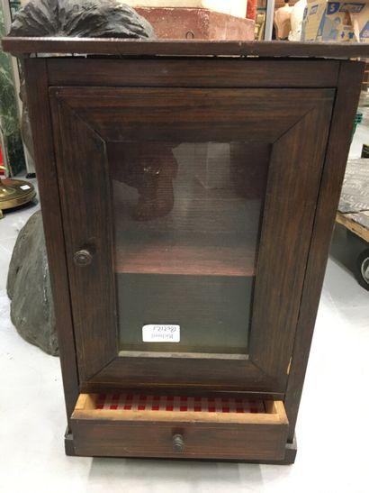 Petite vitrine  H : 43 cm