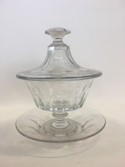 Drageoir en verre taillé  H : 22 cm
