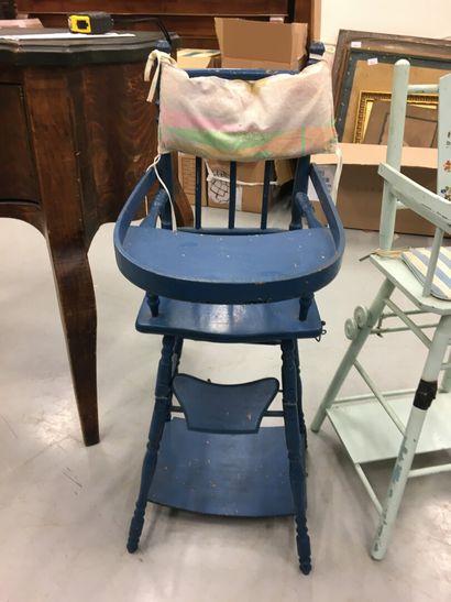 Chaise haute de poupée bleu foncé