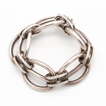 HERMES Paris signé. Bracelet en argent massif...