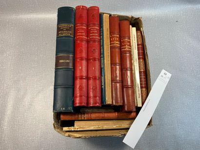 [Lyon]. Un ensemble de 17 volumes ou plaquettes...