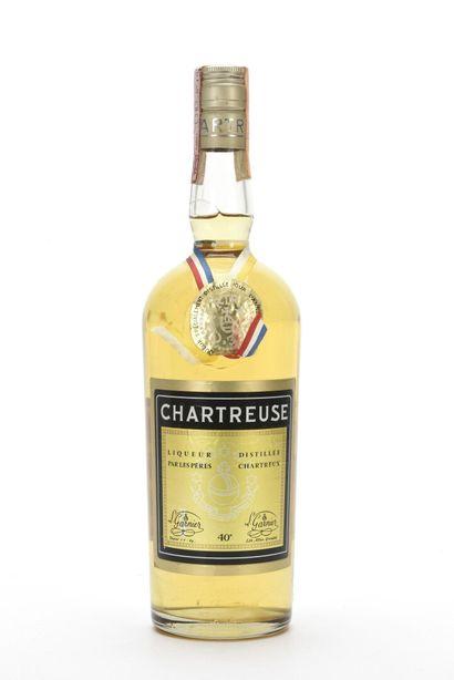 1 B CHARTREUSE JAUNE VOIRON DISTILLÉE EN...