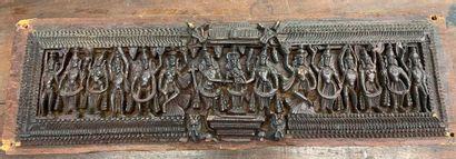 Travail indien  panneau en bois sculpté  25x79...