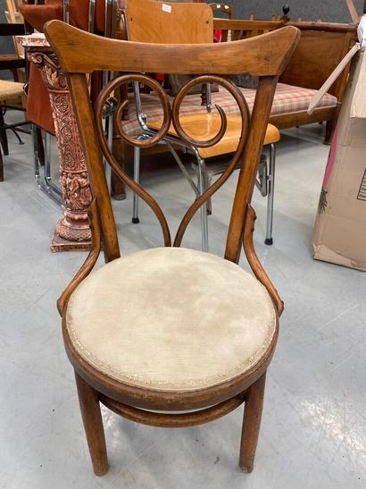 Travail des années 40  Chaise en bois courbé...