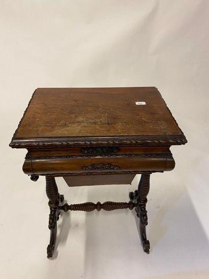 Table travailleuse en bois de placage d'amarante...