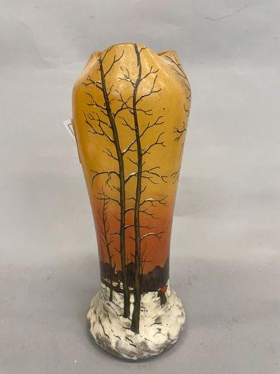 Vase émaillé paysage eneigé  H : 28 cm