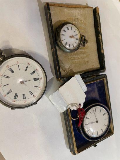 Trois montres dont deux en argent