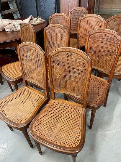 Suite de 10 chaises cannées