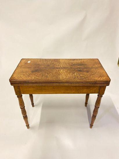 Table à jeux en bois de placage piètement...