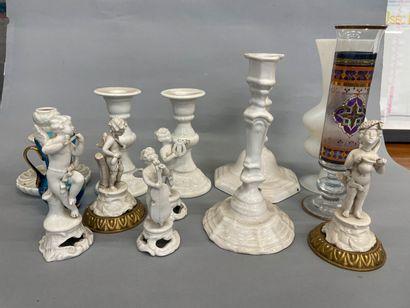 Vases, bougeoirs en faience et petits pouties...