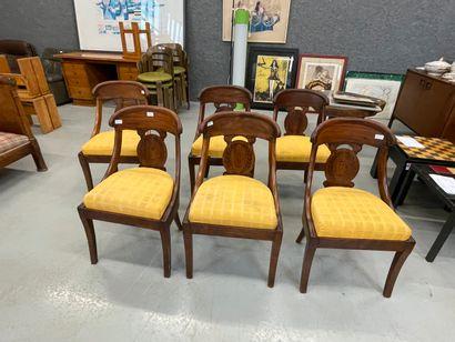 6 chaises galbées Epoque Restauration