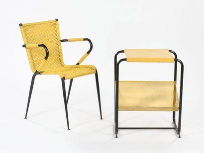 TRAVAIL 1950  fauteuil en métal laqué noir...