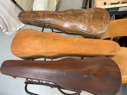 3 étuis de violon en bois