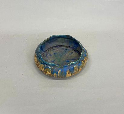 Petit cache pot en céramique  D : 22 cm