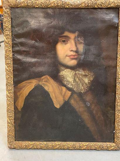 Ecole française 18ème  Portrait d'homme  huile...