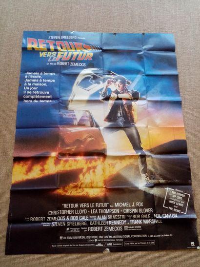 Lot de quatre affiches de cinéma : Le retour...