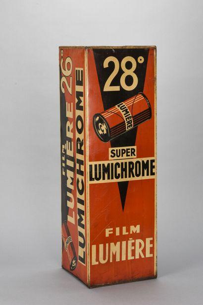 Film Lumière Cube, plaque émaillé  H. 75...
