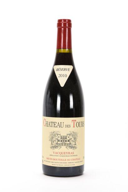 1 B VACQUEYRAS Château des Tours 2010