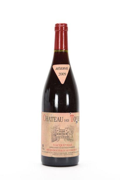 1 B VACQUEYRAS (e.a; clm.s; quelques accrocs capsule) Château des Tours 2009   TVA...