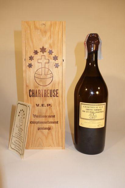 1 B CHARTREUSE JAUNE V.E.P. 100 cl 42% (Caisse...