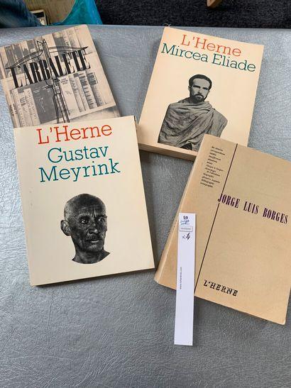 Un ensemble de 4 revues littéraires: L'arbalète...