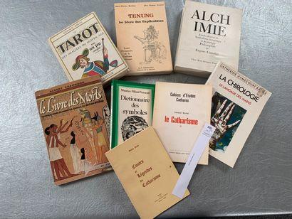 [Esotérisme]. Un ensemble de 8 volumes dont:...