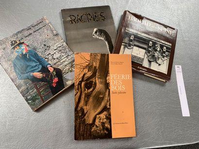 [Photographies]. Un ensemble de 4 volumes:...
