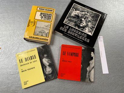 [Esotérisme]. 4 volumes: Le Vampire; Le...