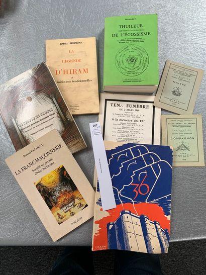 [Franc-maçonnerie]. 8 volumes dont: Thuileur...