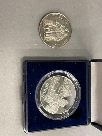 Médaille de mariage en argent pds : 16 grs...