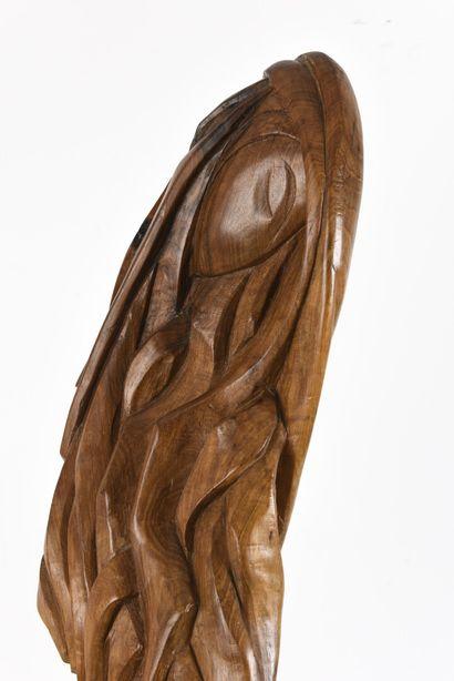 Vincent GONZALEZ (1928-2019)  Maternité en chêne sculpté,  H: 106cm; L: 25 c...