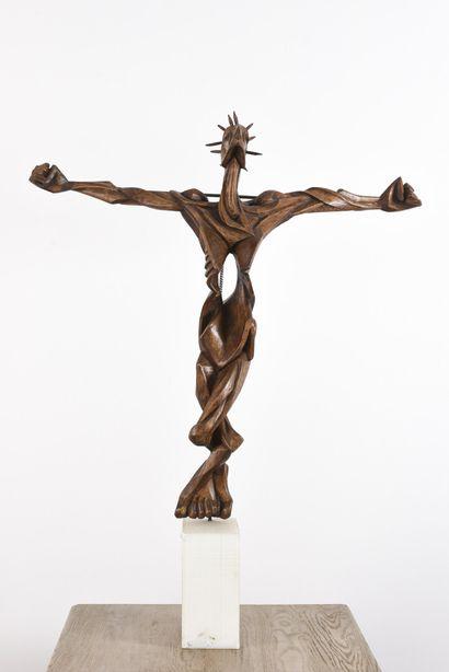 Vincent GONZALEZ (1928-2019)  Christ en chêne,...