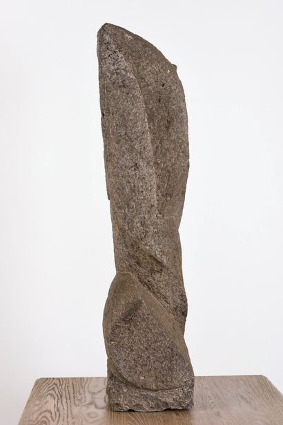 Vincent GONZALEZ (1928-2019)  Composition abstraite en granite sculpté  76 x 21...