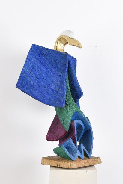 Vincent GONZALEZ (1928-2019)  Oiseau stylisé en bois sculpté polychrome et doré,...