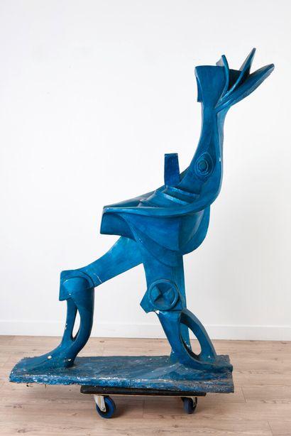 Vincent GONZALEZ (1928-2019)  Figure féminine futuriste en plâtre peint,  H: 167...