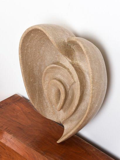 Vincent GONZALEZ (1928-2019)  Principe féminin sculpté en pierre de Bourgogne,  H:...