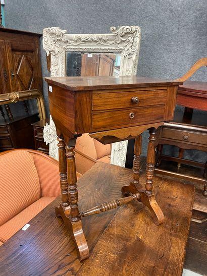 Table travailleuse Louis Philippe en bois...