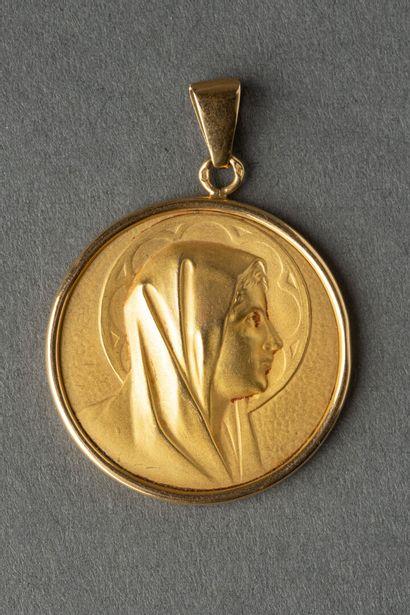 Médaille de baptème en or jaune, au profil...