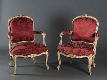 Paire de fauteuils à dos plats Epoque Louis...